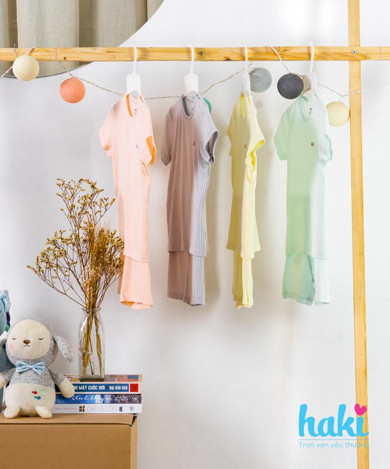 Bộ cộc tay cài vai vải sồi Haki BM002 9-12m, 12-18m - tongkhothienan.com